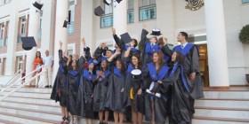 Un instante de la graduación de 2º de Bachillerato / Juan Ignacio Ponce