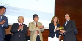 El director del MIT, Javier Díaz, recibe el premio Feansal 2012