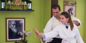 El maestro de MIT Antonio Quero impartiendo una clase de Aikido