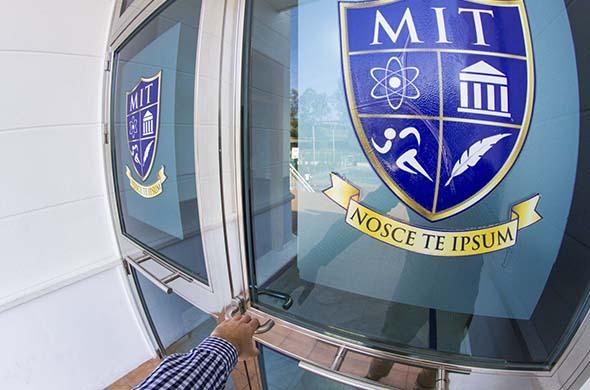 Certificación ISO 9001 MIT School colegio bilingue ingles malaga