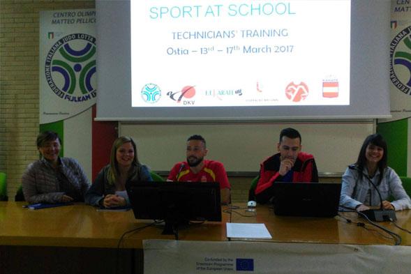Formación del proyecto 'Sports at School'