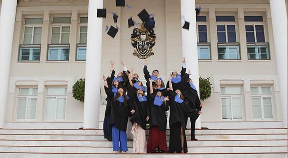 Graduación Bachillerato 2017 MIT School Málaga